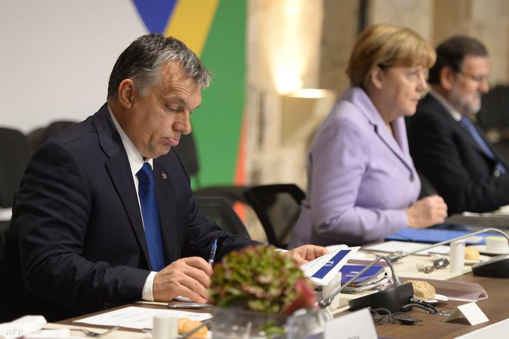 Orbán Viktor és Angela Merkel La Vallettán 2015. november 12-én.