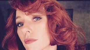 Vajon melyik szőke színésznőből lett ez a vörös dög?