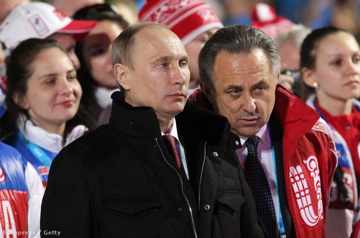 Vlagyimir Putyin és Vitalij Mutko a 2014-es Téli Paralimpiai Játékokon Szocsiban.
