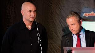 André Agassi már nem adja az arcát az Update-hez