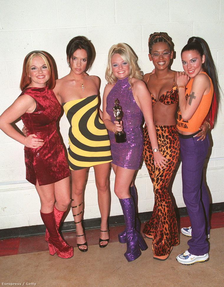 Ez a kép 1995-ben készült a Spice Girls nevű angol lányegyüttesről, tehát húsz éves.