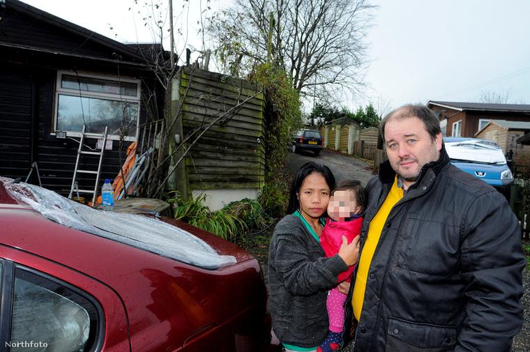 Wayne Howard a családjával