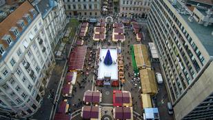 Ilyenek a budapesti karácsonyi vásárok fentről nézve