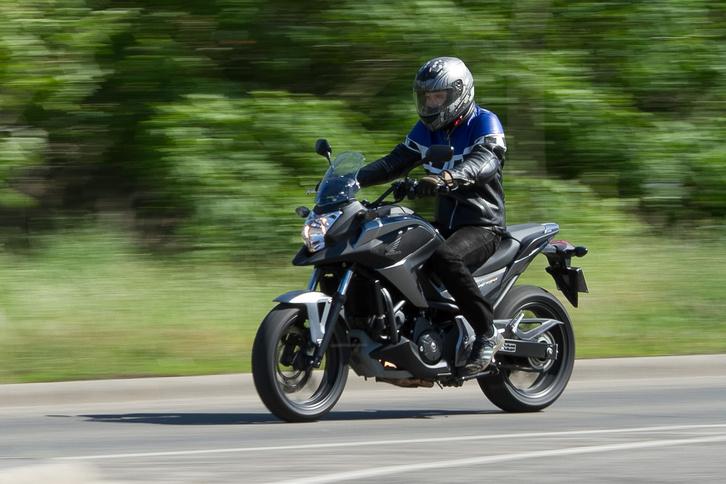 A Honda NC750 tipikus példája annak, hogy egyes gyártók kifejezetten az új, európai A2 jogosítványhoz fejlesztenek motorkerékpárokat