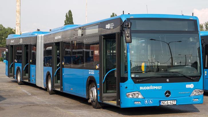 Buszsofőrből is hiány van Magyarországon. A cégek sokszor maguk vállalják a jelentkezők képzését, akik házon belül szerezhetnek D kategóriás jogsit