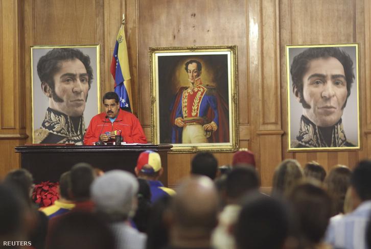 Nicolas Maduro sajtókonferenciája a Miraflores palotában