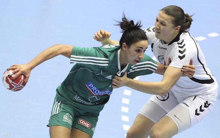 Szucsánszki Zita és Jaukovic Durdina a Magyarország-Montenegró mérkőzésen
