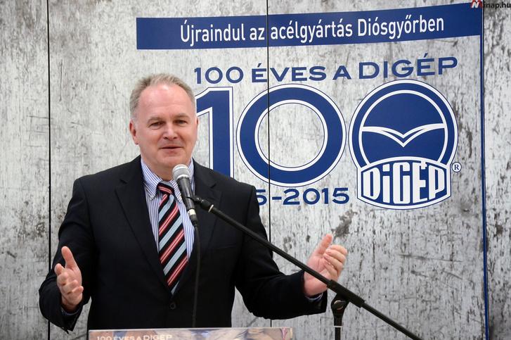 Szabó László, a Külgazdasági és Külügyminisztérium parlamenti államtitkára is jelen volt