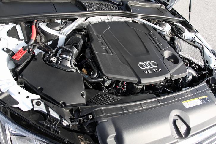 Oké, hogy ez hathengeres, de azért az Audinak a négyhengeres dízele is kellemesebb. Hogy mi jön ki a kipufogón, az más kérdés