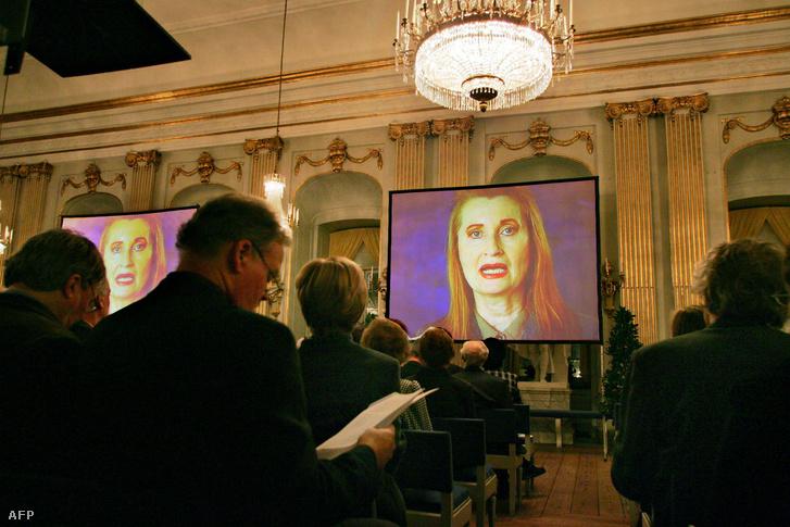 A Nobel-díjas írónő darabja nem tetszett a miniszternek