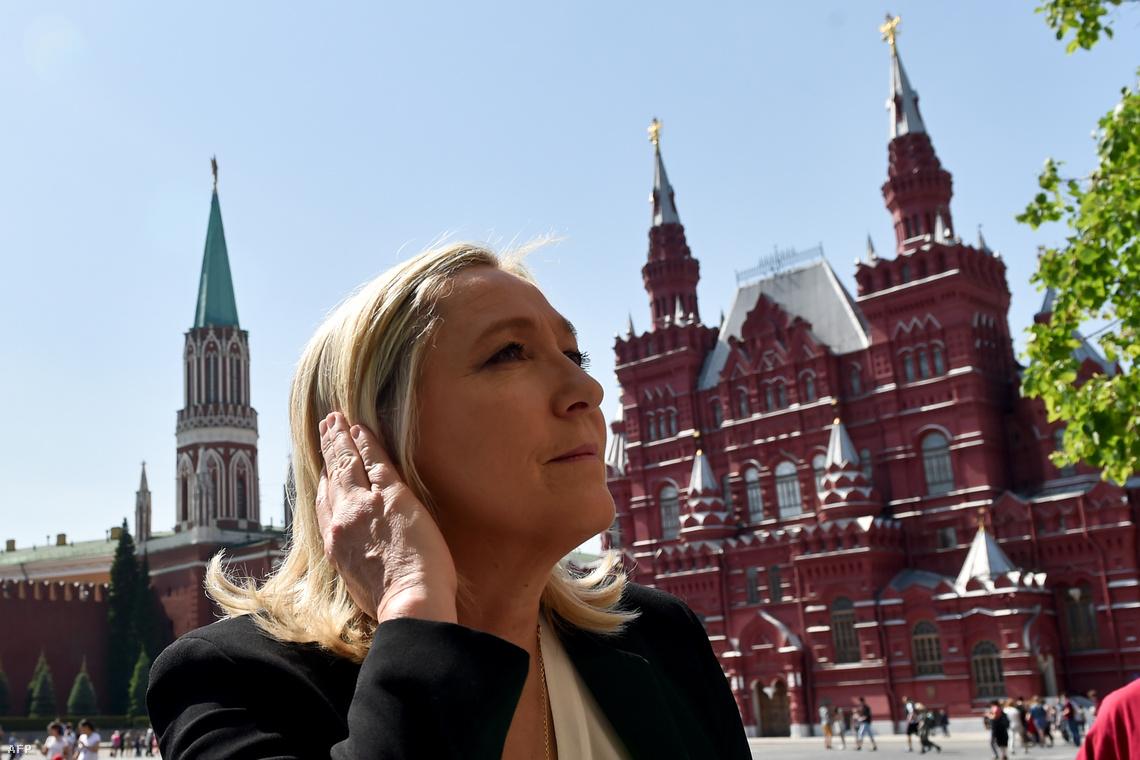 Marine Le Pen egy moszkvai látogatáson, 2015 májusában