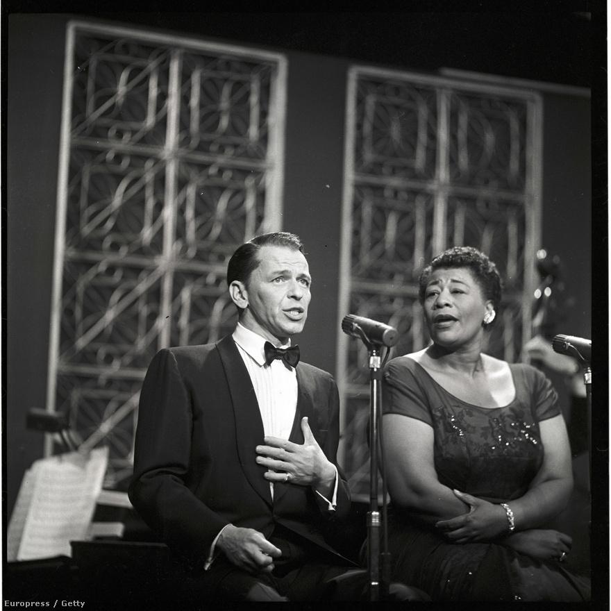 Halála után egy amerikai zenekritikus, Robert Christgau egyenesen a 20. század legnagyszerűbb énekesének nevezte Sinatrát. Christgau, hozzá hasonlóan, szintén egy tűzoltó fia volt, később pedig olyan lapokban publikált, mint a Village Voice, a Creem, a Playboy, a Rolling Stone és a Noisey.