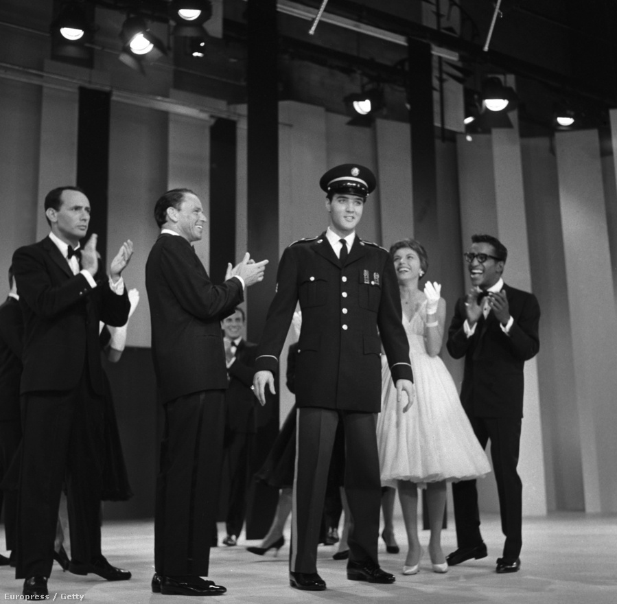 Az énekesnek több tévés próbálkozása is volt, amelyek közül a legizgalmasabb talán Elvis Presley 1960-as welcome-partija volt, a Király ugyanis ekkor tért haza Németországból, ahol a sorkatonai szolgálatot töltötte. A műsor vendége volt még Joey Bishop (balra), Sammy Davis Jr. (jobbra), valamint Sinatra lánya, a 20 éves Nancy, akinek ez volt élete legelső tévés szereplése. Nancy és Elvis később az Autópálya című zenés vígjátékban is együtt szerepelt.