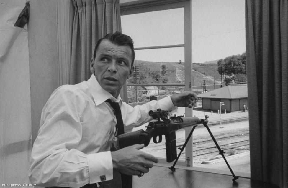 """""""Soha nem unatkoztam a társaságában, de nem igazán kedveltem őt. Számos dologban igazi zseni volt, beleértve azt is, hogyan legyen olyan ellenszenves"""" – mondta róla a Vanity Fairben is publikáló James Kaplan, aki Sinatra életrajzát is megírta."""