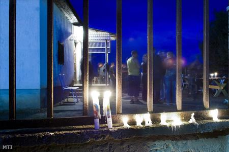 Virrasztás az áldozatokért Kislétán