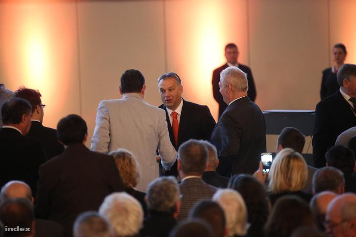 Orbán Viktor délután mond beszédet