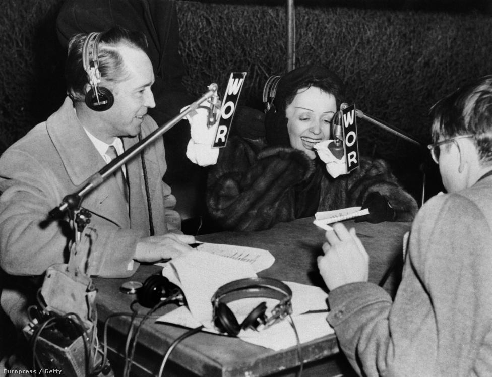 Piaf sanzonjain is érződött a boldogság, Bal dans ma Rue, Bál az utcában, énekelte önfeledten. Turnék és interjúk egymást követték, míg 1949-ben jött a minden eddiginél nagyobb csapás. Az Azori-szigetek fölött lezuhant a repülő, amellyen szerelme, Marcel éppen hozzá utazott New York-ba.