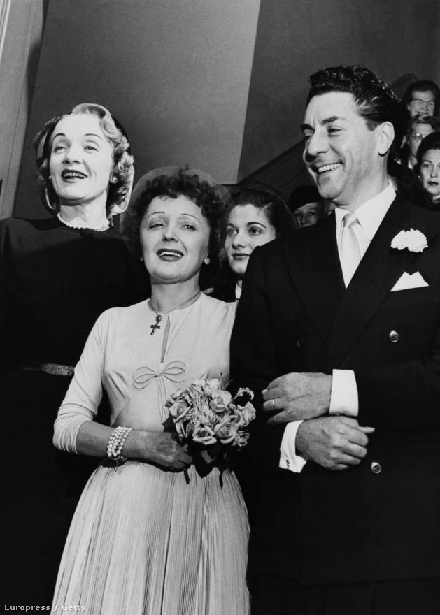 Bár Edith szíve Marcelé maradt, egy újabb férfi tűnt fel az életlében: Jacques Pills sanzonénekes, akihez 1952-ben feleségül ment. Mint a képen is látható, házassági tanúnak nem mást kért fel, mint barátnőjét, Marlene Dietricht. Edith és Jacues nászútja amerikai turné is lett egyben: New York után Hollywoodba, San Fransiscóba és Las Vegasba is eljutott.