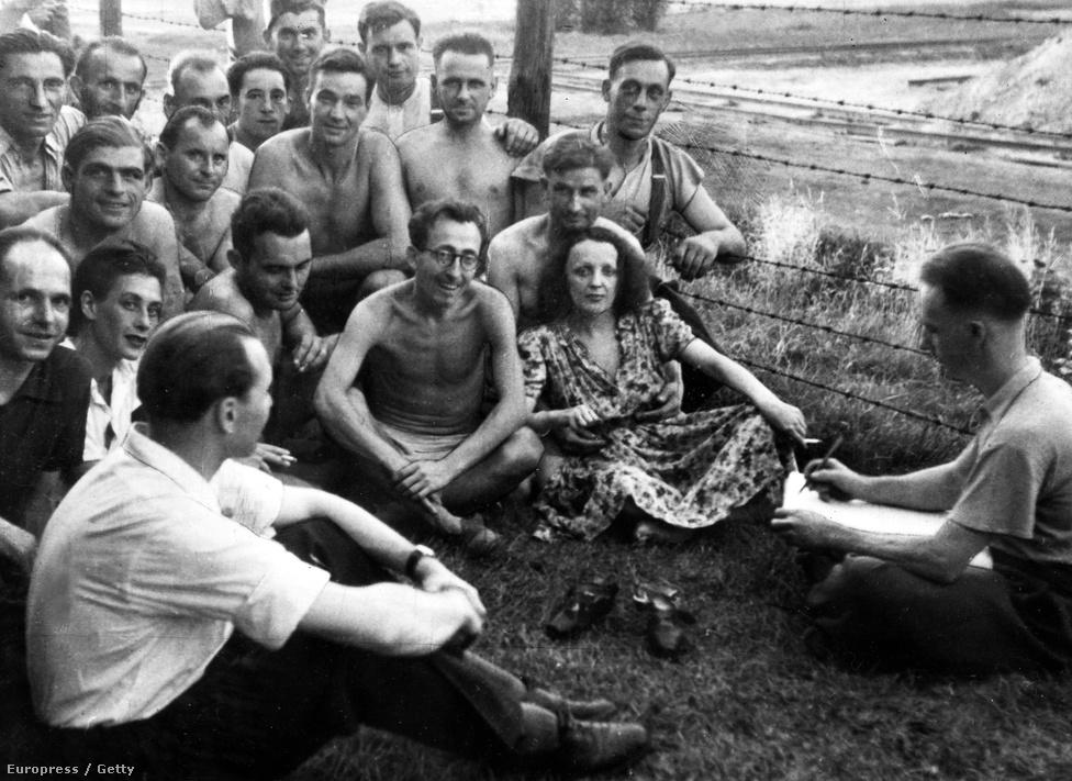 A Leplée-gyilkosság után pár évvel Edith karrierje újra felfelé ívelt, fellépett a legrangosabb revüszínházakban, Jean Cocteau színdarabot írt neki (Le Bel Indifférent, vagyis A közönyös szépfiú), ám ekkor a háború szólt közbe. A németek által megszállt Párizsban nehéz volt érvényesülni, ám Piaf töretlenül énekelt. Nem volt ellenálló, de sokszor összeütközésbe került a megszállókkal. Rendszeresen járt ugyanis énekelni a Vöröskereszt és a hadifoglyok javára rendezett előadásokra.