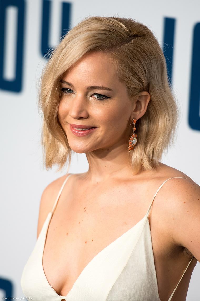 Jennifer Lawrence arckifejezése azt üzeni: