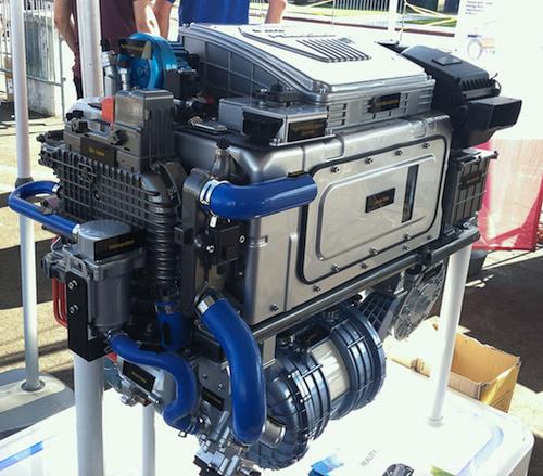 A Hyundai-Kia-féle tüzelőanyagcellát egyelőre elulról egy párásítóberendezés teszi magassá