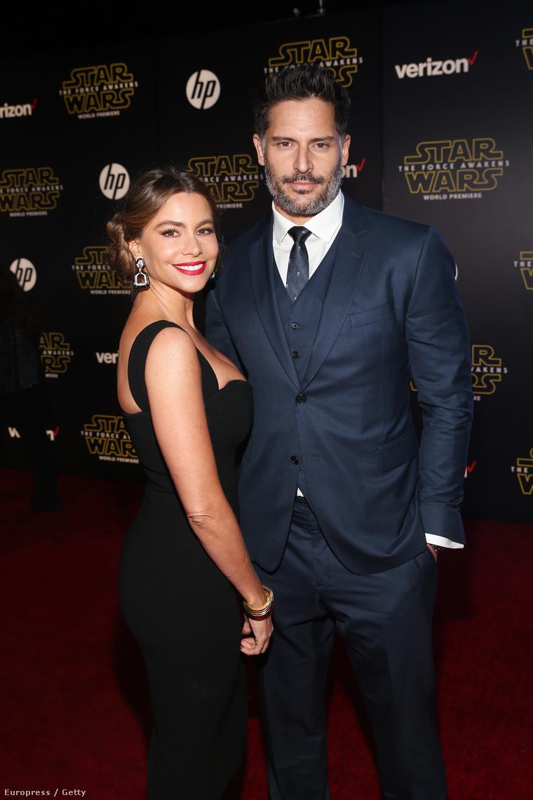 Mondtuk, hogy lesznek ott olyan celebek, akiknek semmi köze nincs a filmhez, és így lett. Sofía Vergara és Joe Manganiello legfeljebb rajongók, de ez persze nem baj.