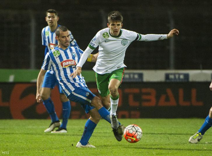 Kanta József az MTK játékosa (b) és a ferencvárosi Nagy Ádám az OTP Bank Liga 16. fordulójában játszott MTK Budapest - Ferencváros labdarúgó-mérkőzésen.