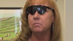 Bionikus szemmel újra láthatta a fiát egy húsz éve vak nő
