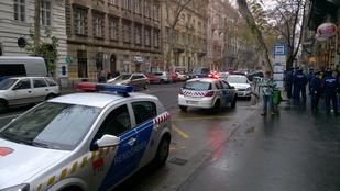 Négy férfi verekedett össze a Podmaniczky utcánál
