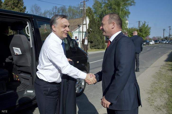 Orbán Viktor és Tiffán Zsolt Szigetváron.