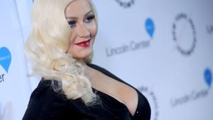 Christina Aguilera rekonstruálta részeg balesetét