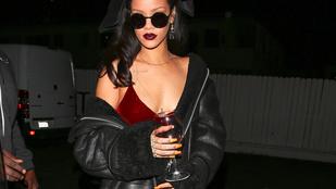 Rihanna patkolt mellbimbóval és múmiakézzel bulizott