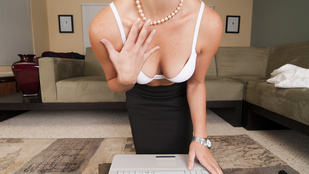 Ennyivel rosszabb nőnek lenni az interneten