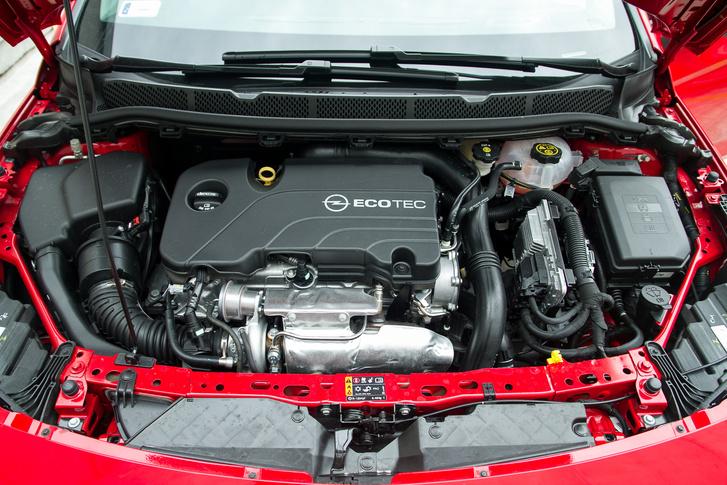 Valaki érti, miért ragaszkodnak a szerencsétlen Ecotec márkanévhez, ha ez egy tök új motor?