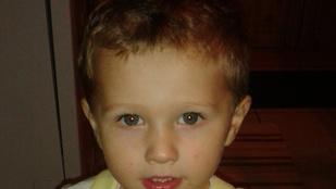 Megvan a kétéves hatvani kisfiú