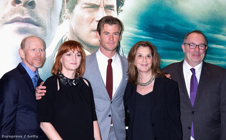 Ron Howard és Chris Hemsworth A tenger szívében londoni premierjén