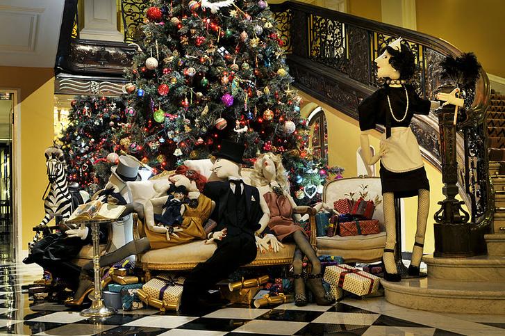 christmas-tree-claridges-2