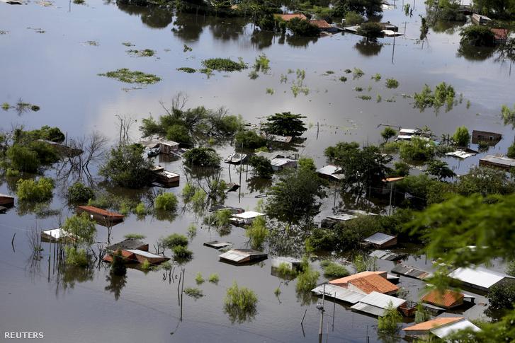 Házak a víz alatt Paraguayban