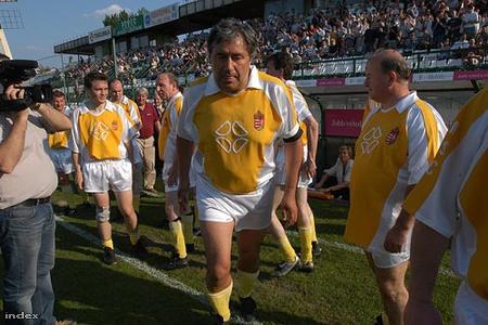 A futballpályán 2004-ben