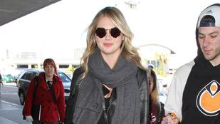 Hát igen, ilyen Kate Upton egy repülőút után