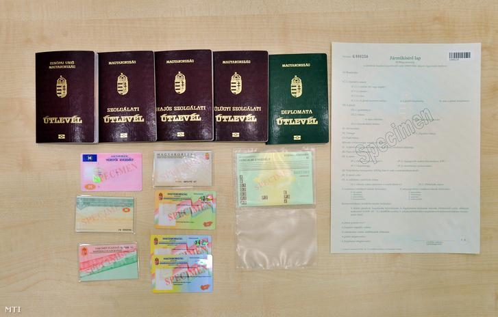 2012. március 1-jétől már nem állítanak ki Magyar Köztársaság feliratú személyi okmányokat.