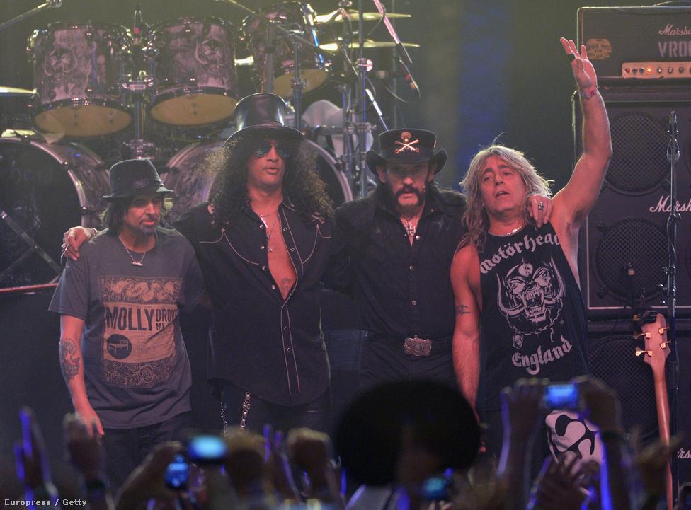 2014-ben Lemmy régi haverjával, Slash-sel kiegészülve játszott az USA egyik legnagyobb zenei fesztiváljaként ismert Coachella harmadik napján.