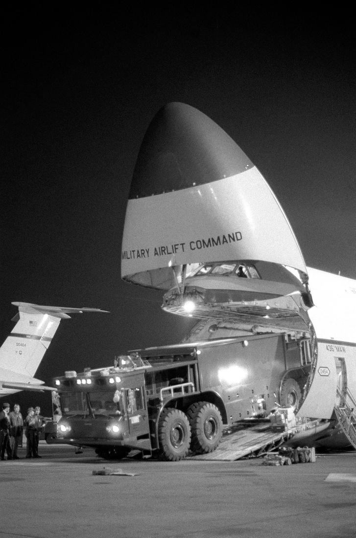Az Oshkosh P-15 simán befér egy Galaxybe