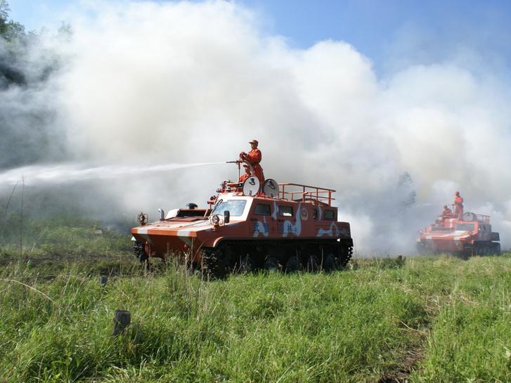 Kínai tűzoltó harcjárművek