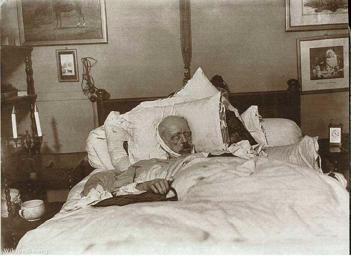 Max Priester és Willy Wilcke: Bismarck a halottas ágyán 1898 (eredeti, retusálatlan felvétel)