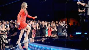 Sandra Bullock boldog, és ez látszik rajta