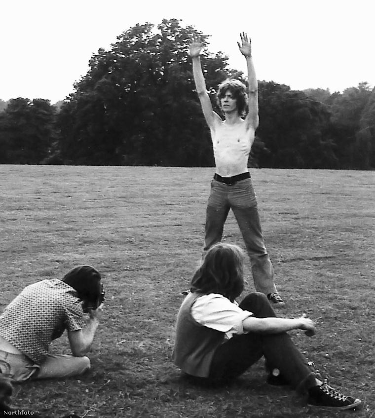 David Bowie zenei karrierje elején, a '60-as években, amikor még nem volt híres