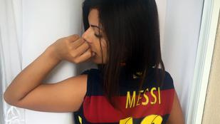 A legjobb seggű miss bumbum seggel gratulál Messinek