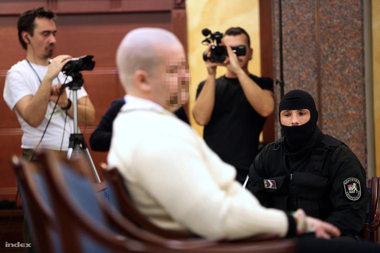 A harmadrendű vádlott egyedül halgatta az ítélethirdetést
