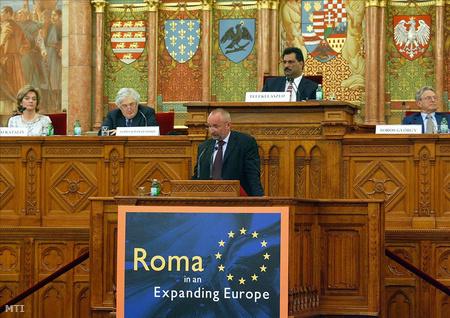 Regionális roma integrációs konferencia a parlamentben